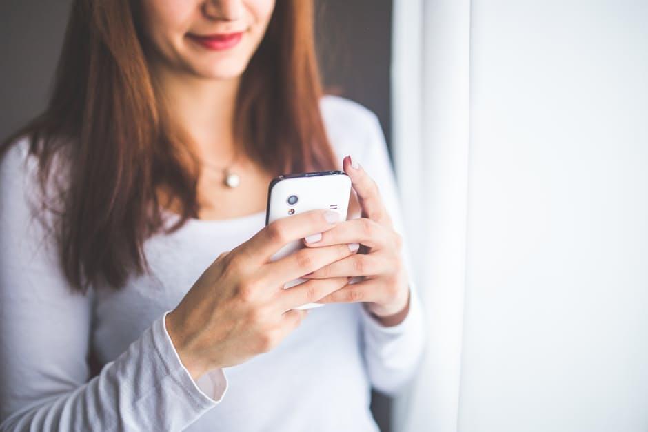 Smartphone, social e schermi di ogni misura