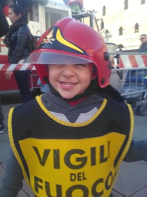 Pompieropoli in piazza Ageop