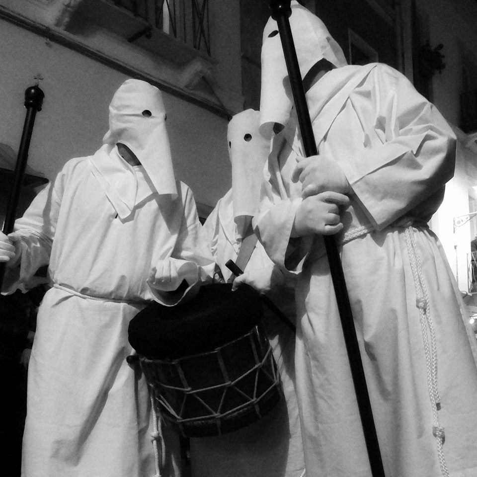 Iglesias: vestiamo i babbalotti, l'idea di Matteo per un anno senza processioni.