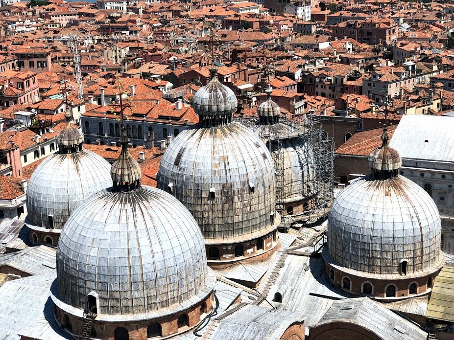 Le cupole della basilica di San Marco viste dal campanile
