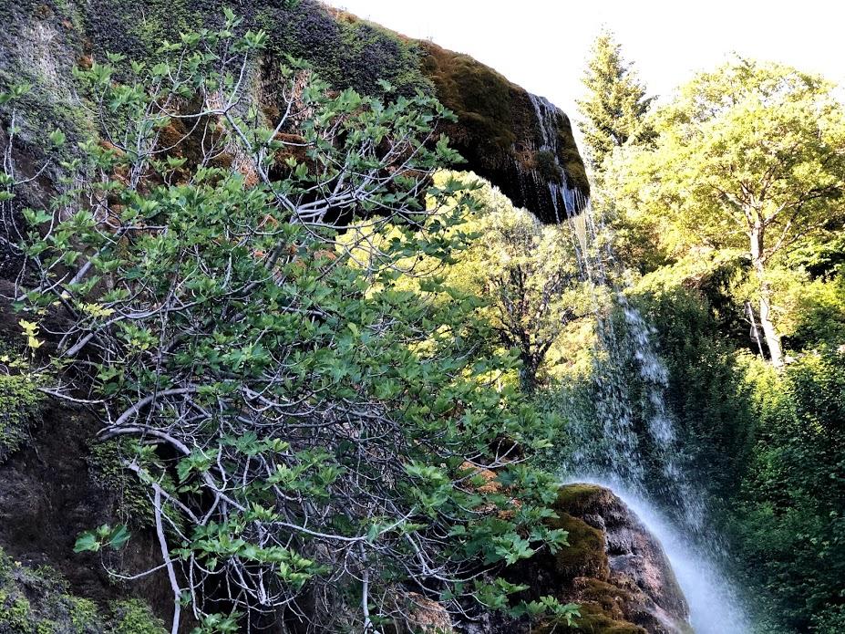 Le grotte di Labante, la cascata