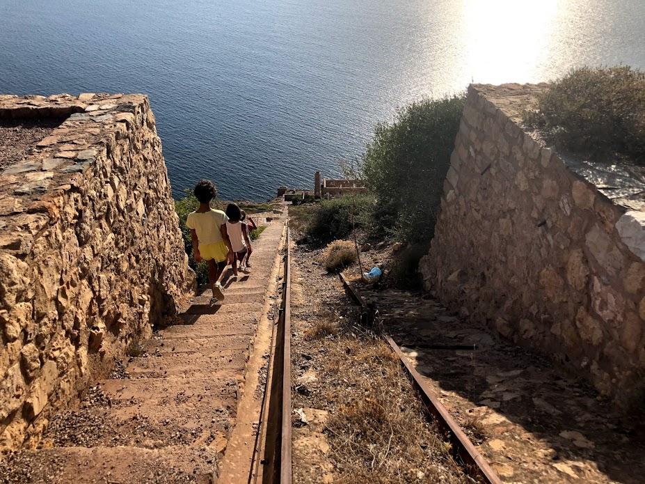 La scalinata che collega il Belvedere di Nebida alla Laveria Lamarmora